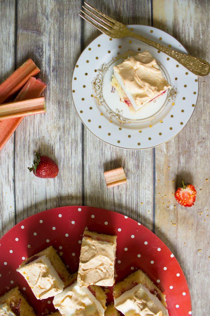 rhubarb tray cake