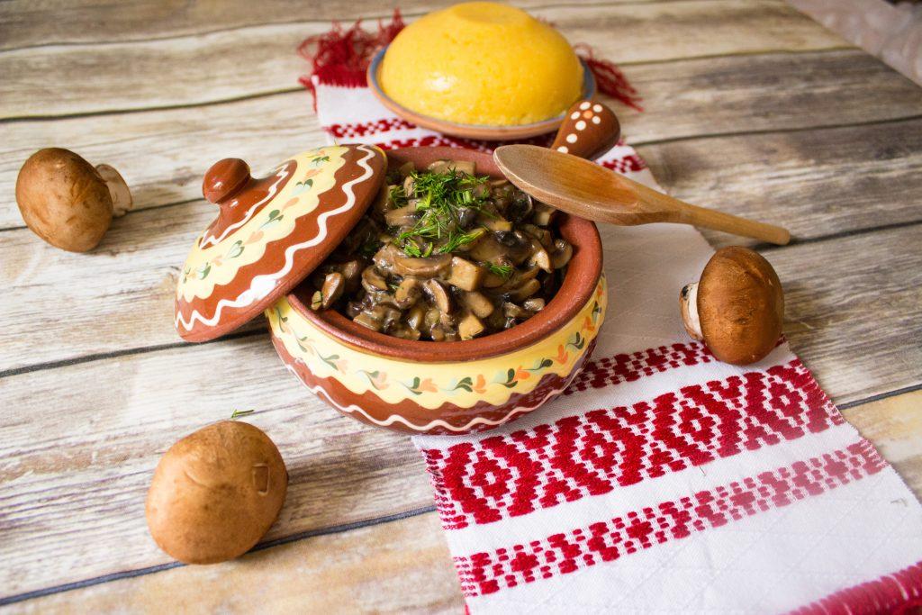 brown mushroom stew