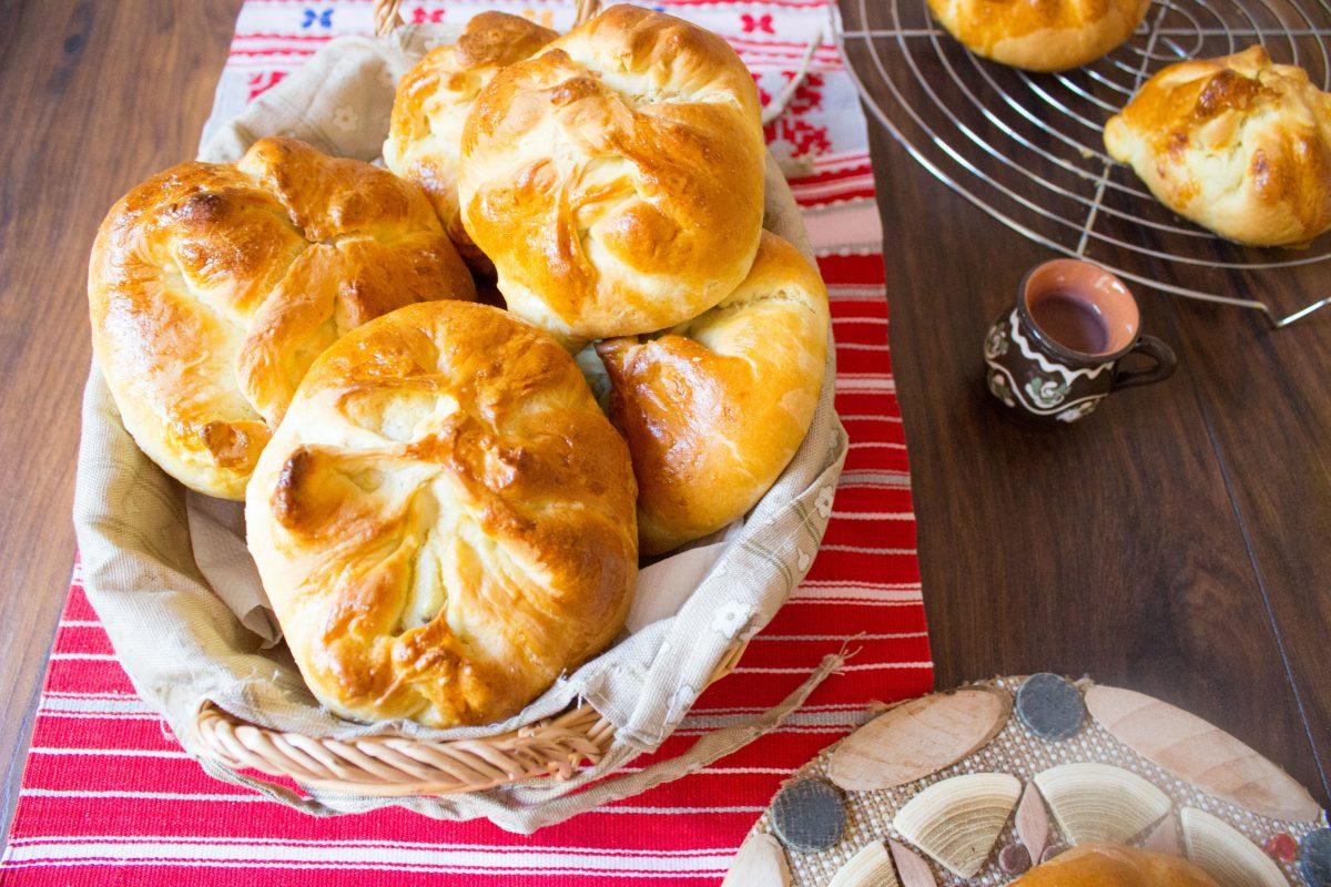 romanian sweet cheese bread